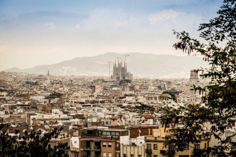 vista general de Barcelona plaza universitaria residencias unihabit