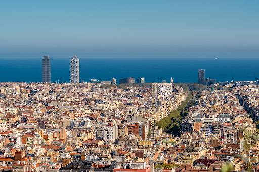 ciudad de barcelona y el mar